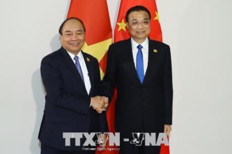 Thủ tướng Nguyễn Xuân Phúc gặp Thủ tướng Quốc Vụ viện Trung Quốc Lý Khắc Cường