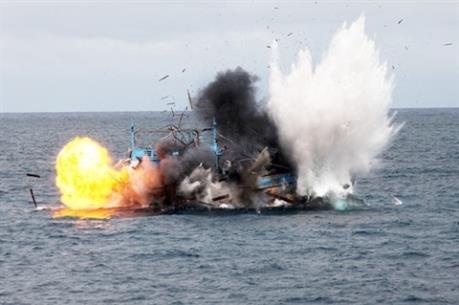 Nổ hầm máy tàu cá khiến 2 người thương vong