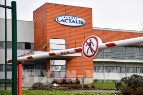 Pháp khám xét văn phòng của hãng Lactalis sau bê bối sữa nhiễm khuẩn