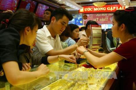 Thị trường vàng trong nước tuần qua giao dịch trầm lắng
