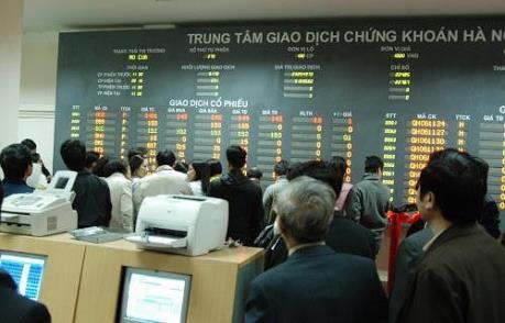 Dòng tiền chảy mạnh vào thị trường sau khi HOSE giao dịch trở lại