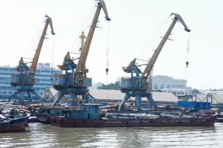 """Tháo """"nút thắt"""" để phát triển hệ thống cảng biển Đông Nam Bộ- Bài 1"""