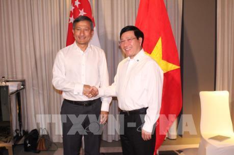Singapore hỗ trợ Việt Nam xây dựng lộ trình chuyển đổi các ngành công nghiệp