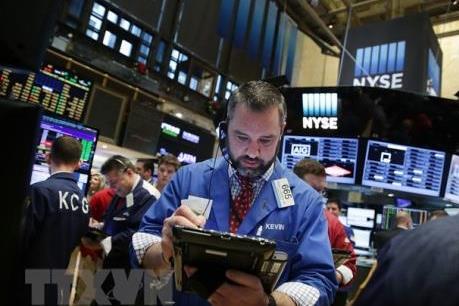 Lo ngại về một cuộc chiến thương mại, chứng khoán Âu-Mỹ đỏ sàn