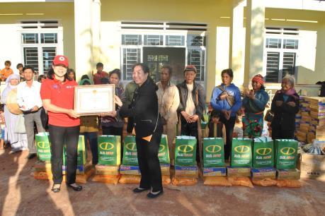 Tập đoàn Đức Long Gia Lai mang Tết về với đồng bào huyện Chư Pưh