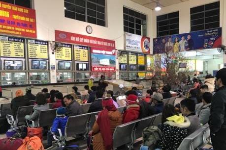 Ghi nhận tại các bến xe Hà Nội ngày 28 Tết không đông như dự đoán