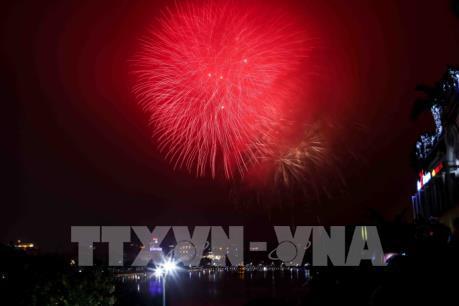Hà Nội bắn pháo hoa chào đón năm mới xuân Mậu Tuất 2018