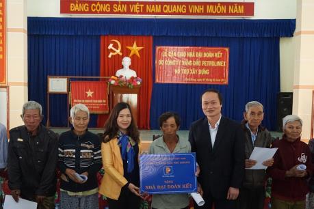 Petrolimex Khánh Hòa hỗ trợ 7 tỷ đồng thực hiện an sinh xã hội