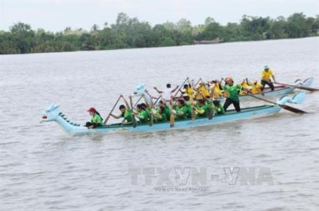 Hà Nội lần đầu tiên tổ chức Lễ hội bơi chải thuyền rồng
