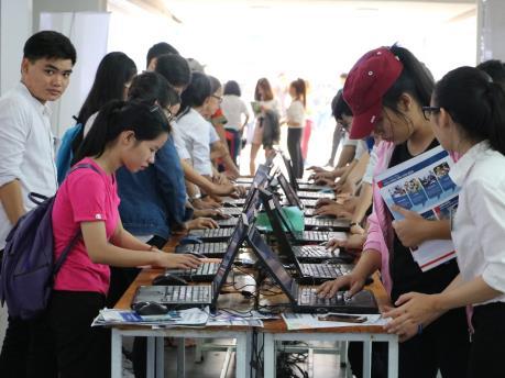 Thành phố Hồ Chí Minh: Hỗ trợ người lao động tìm kiếm cơ hội việc làm