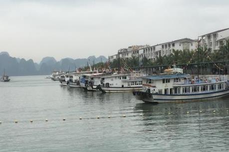 Thúc đẩy đầu tư tư nhân vào hệ thống thu gom và xử lý nước thải trên vịnh Hạ Long