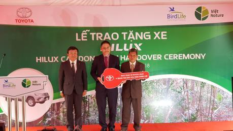 Toyota trao tặng xe cho Trung tâm Bảo tồn Thiên nhiên Việt tại Quảng Bình