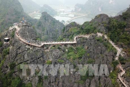 Bắt đầu tháo dỡ công trình xây dựng trái phép tại khu Tràng An cổ ở Ninh Bình