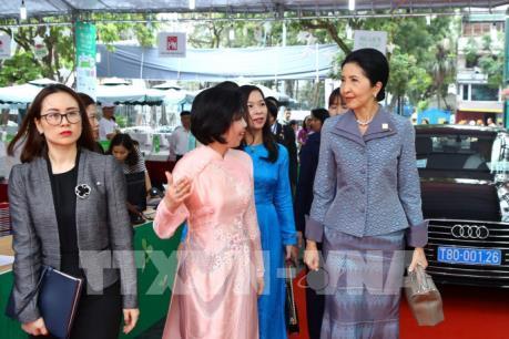 Phu nhân các nhà lãnh đạo GMS tìm hiểu di sản văn hóa, đời sống của phụ nữ Việt Nam