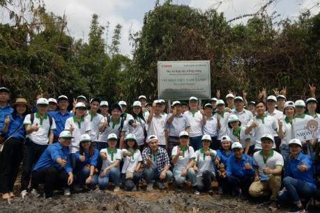 """Phát động trồng rừng """"Vì một Việt Nam Xanh"""" năm 2018"""