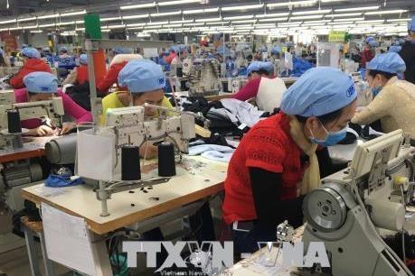 Nhiều  doanh nghiệp dệt may có đủ  đơn hàng đến hết quý II