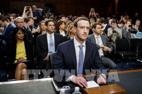 Vụ bê bối dữ liệu Facebook: CEO Mark Zuckerberg khẳng định không từ chức