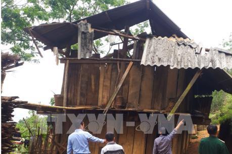 Mưa to kèm lốc xoáy gây nhiều thiệt hại tại Điện Biên