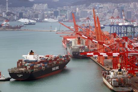 Thặng dư thương mại của Hàn Quốc kéo dài 74 tháng