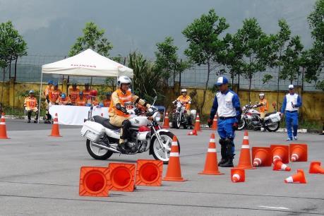 Honda tập huấn lái xe an toàn cho lực lượng cảnh sát giao thông