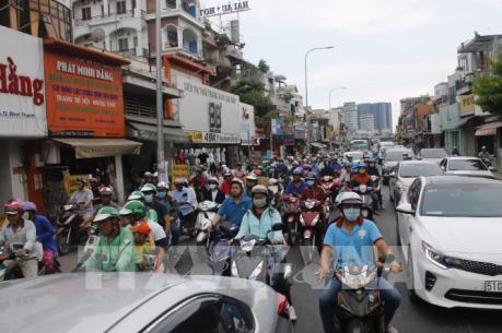 Tp Hồ Chí Minh: Lượng khách đi xe tăng đột biến dịp lễ 30/4 và 1/5