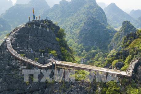Chậm tiến độ tháo dỡ công trình xây dựng trái phép trên núi Cái Hạ - Tràng An cổ