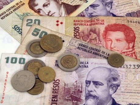 Argentina kêu gọi IMF hỗ trợ tài chính để đối phó với biến động tiền tệ