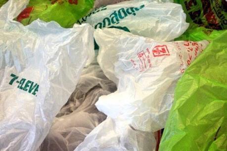 Thái Lan xem xét áp thuế đối với túi nylon