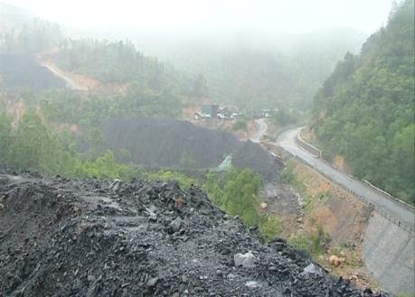 Quảng Ninh: Yêu cầu hoàn nguyên môi trường khu vực dự án nghi bị khai thác than trái phép