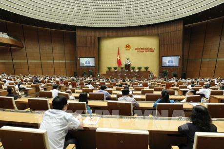 Kỳ họp thứ 5, Quốc hội Khóa XIV: Quốc hội biểu quyết thông qua hai dự án Luật