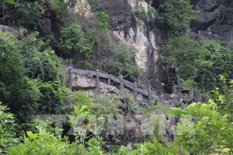 Chủ đầu tư chưa tháo dỡ xong công trình trái phép trên núi Cái Hạ, Ninh Bình