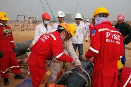 """Giàn khoan dầu khí - """"Trạm y tế"""" trên biển của ngư dân"""