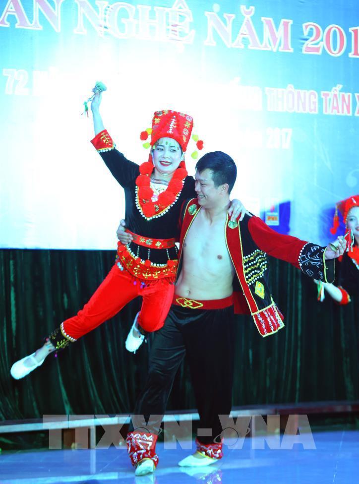 Tưng bừng hội diễn văn nghệ Thông tấn xã Việt Nam 2017 - hình 2