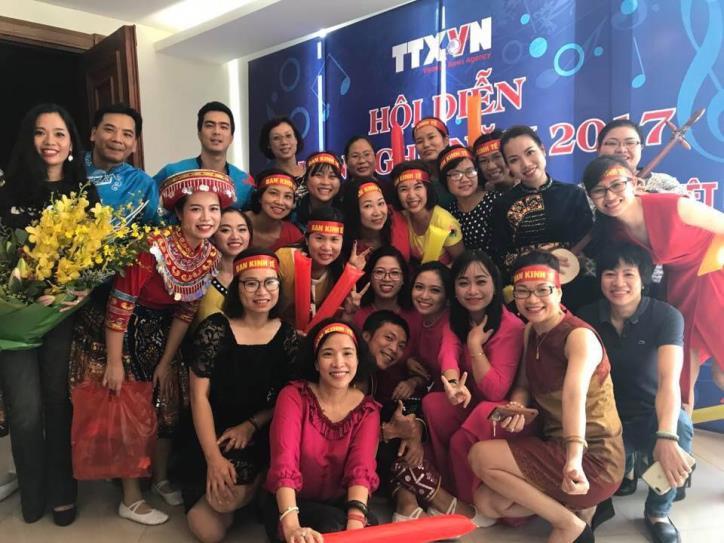 Tưng bừng hội diễn văn nghệ Thông tấn xã Việt Nam 2017 - hình 12