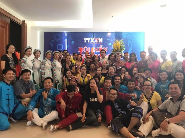 Tưng bừng hội diễn văn nghệ Thông tấn xã Việt Nam 2017 - hình 13