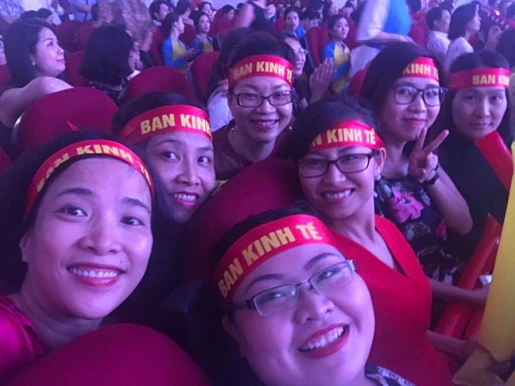 Tưng bừng hội diễn văn nghệ Thông tấn xã Việt Nam 2017 - hình 14