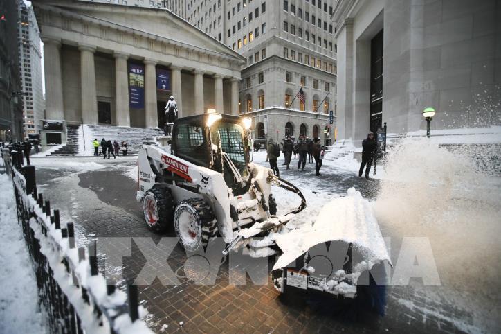 Nước Mỹ tiếp tục lạnh tê tái sau bão tuyết - hình 1