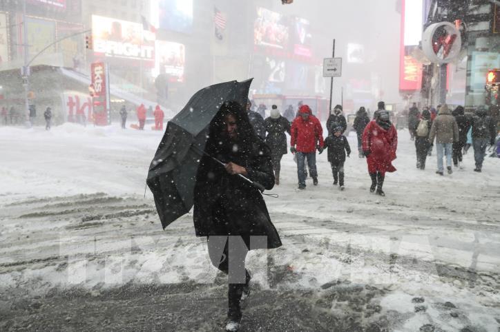 Nước Mỹ tiếp tục lạnh tê tái sau bão tuyết - hình 3