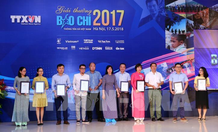 Lễ trao Giải báo chí Thông tấn xã Việt Nam 2017 - hình 6