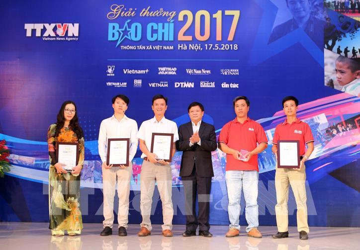Lễ trao Giải báo chí Thông tấn xã Việt Nam 2017 - hình 8