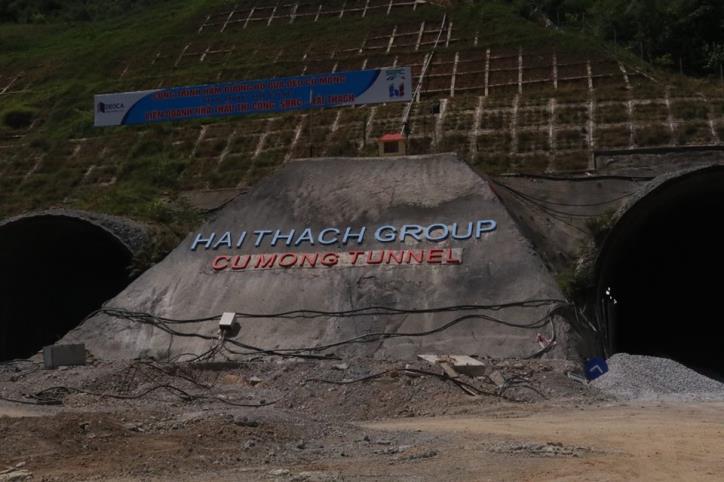 Hầm đường bộ Cù Mông nước rút vượt tiến độ  - hình 0