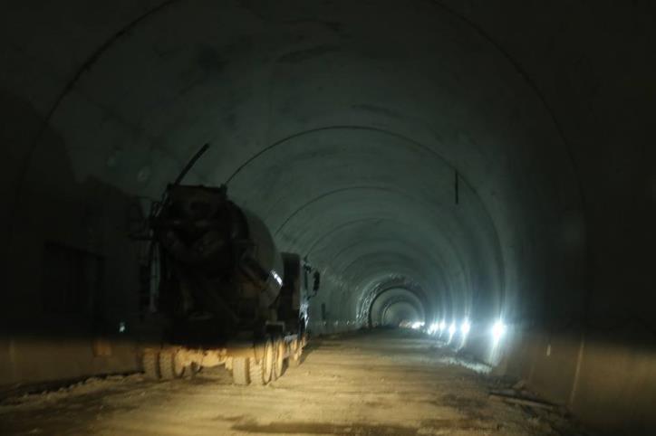 Hầm đường bộ Cù Mông nước rút vượt tiến độ  - hình 5