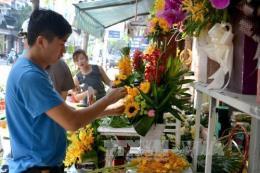 Đà Nẵng: Đa dạng thị trường hoa, quà tặng 20/11