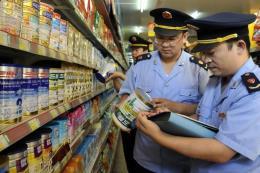 Trung Quốc bắt giữ nhóm nghi bán sữa bột New Zealand hết hạn