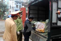 Bắt 2 vụ vận chuyển thực phẩm không rõ nguồn gốc