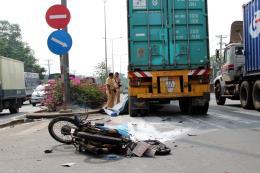 Bình Dương: Tai nạn nghiêm trọng khiến hai người thương vong