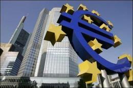 ECB tiếp tục giữ chính sách tiền tệ siêu lỏng