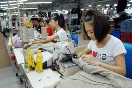 ILO: Lao động ngành dệt may, da giày trước nguy cơ mất việc do tự động hóa