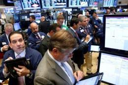 Các chỉ số chứng khoán Mỹ đồng loạt giảm điểm phiên ngày 17/1