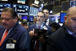Chứng khoán Mỹ: Nhà đầu tư thất vọng về cuộc họp báo của Tổng thống đắc cử Donald Trump